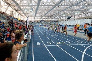 Ouverture de la halle d'athlétisme de Miramas (13) réalisée par SMC2 avec charpente bois lamellé collé et enveloppe textile