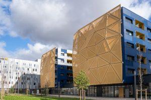 Construction de facades textiles en surfacade pour des logements a Clermont-Ferrand (63)