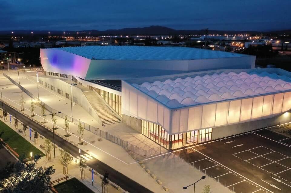 ARCHITECTURE ET LUMIERE : MEMBRANE TEXTILE ET ETFE